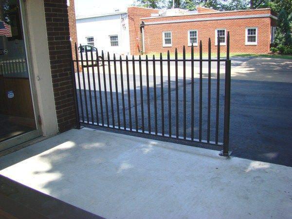 Galvanized Steel Picket Fence - Galvanized Steel Picket Fence