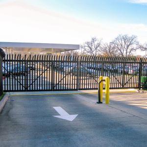 Echelon Ii Industrial Ornamental Aluminum Fence