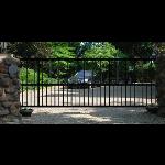 AutoGate, Inc. - Islander 1000 Vertical Pivot Gate