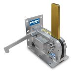 Blue Giant Equipment Corporation - StrongArm™ ML10 Mechanical Vehicle Restraint